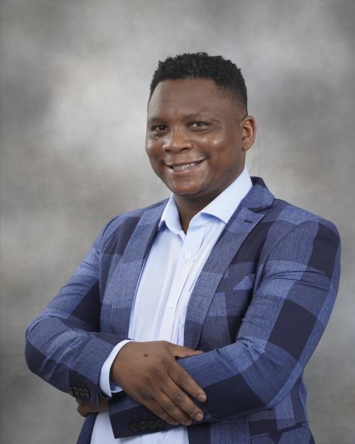 Zukile Mcilongo