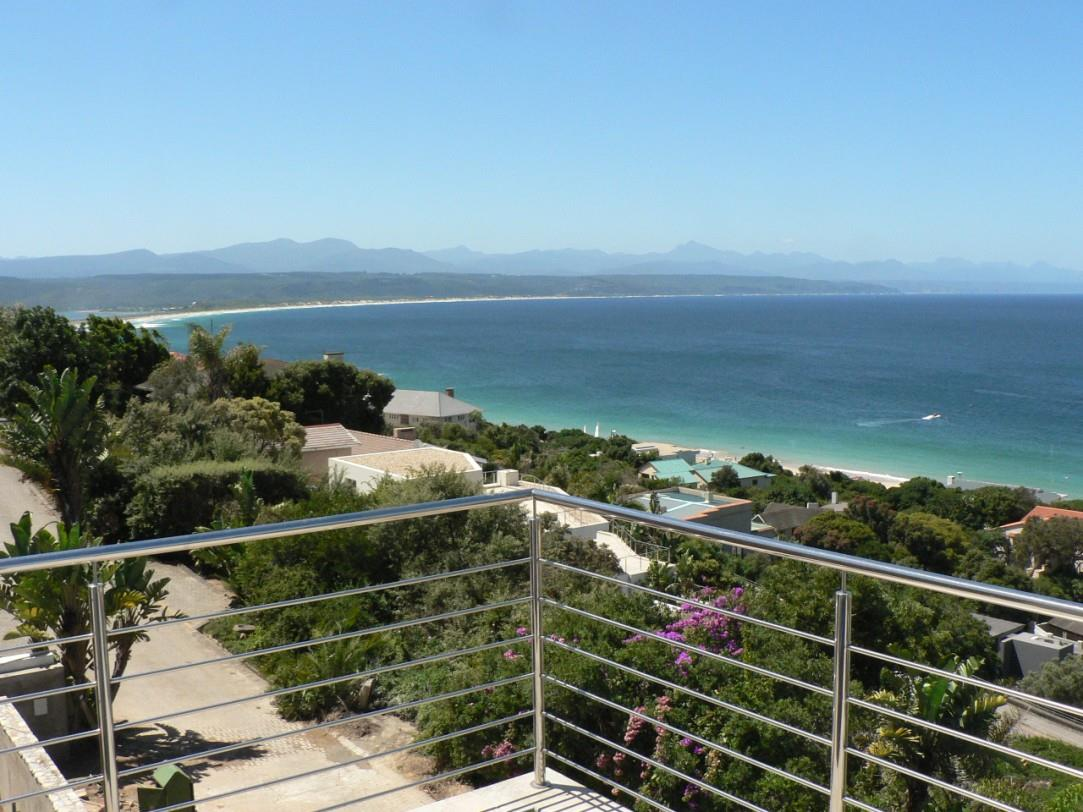 3 Bedroom House For Sale in Plettenberg Bay Central