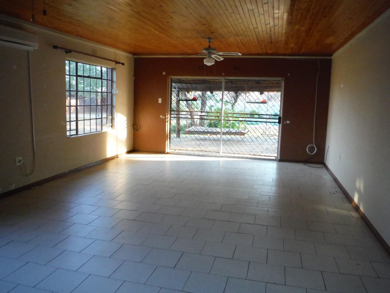 5 Bedroom House For Sale in Francistown Central