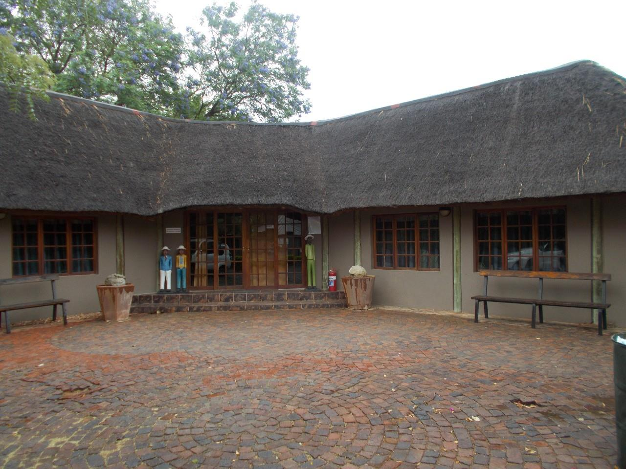 9 Bedroom House To Rent in Lephalale