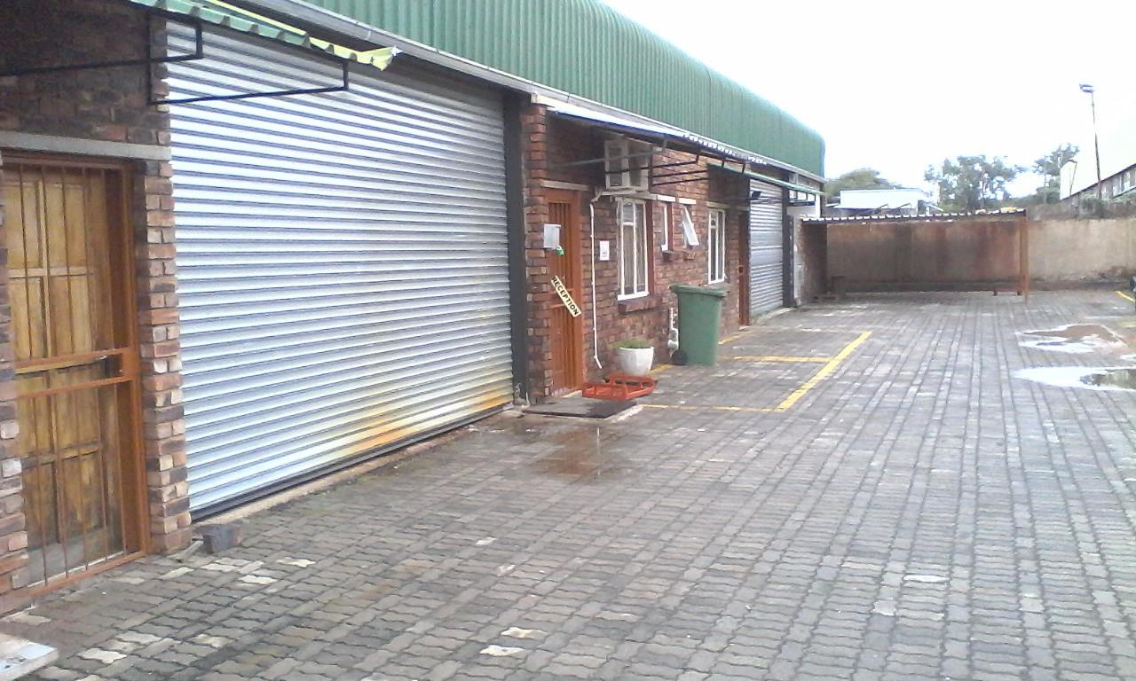 Commercial Property in Onverwacht To Rent