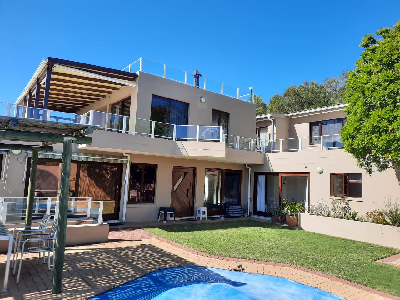 6 Bedroom House For Sale in Sedgefield Central