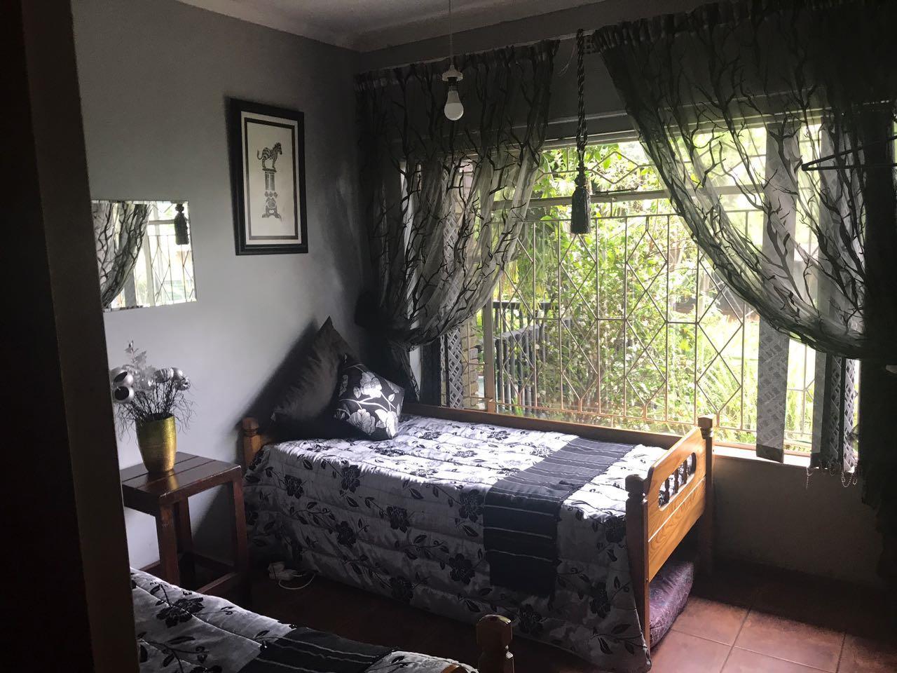 4 Bedroom House For Sale in Die Heuwel