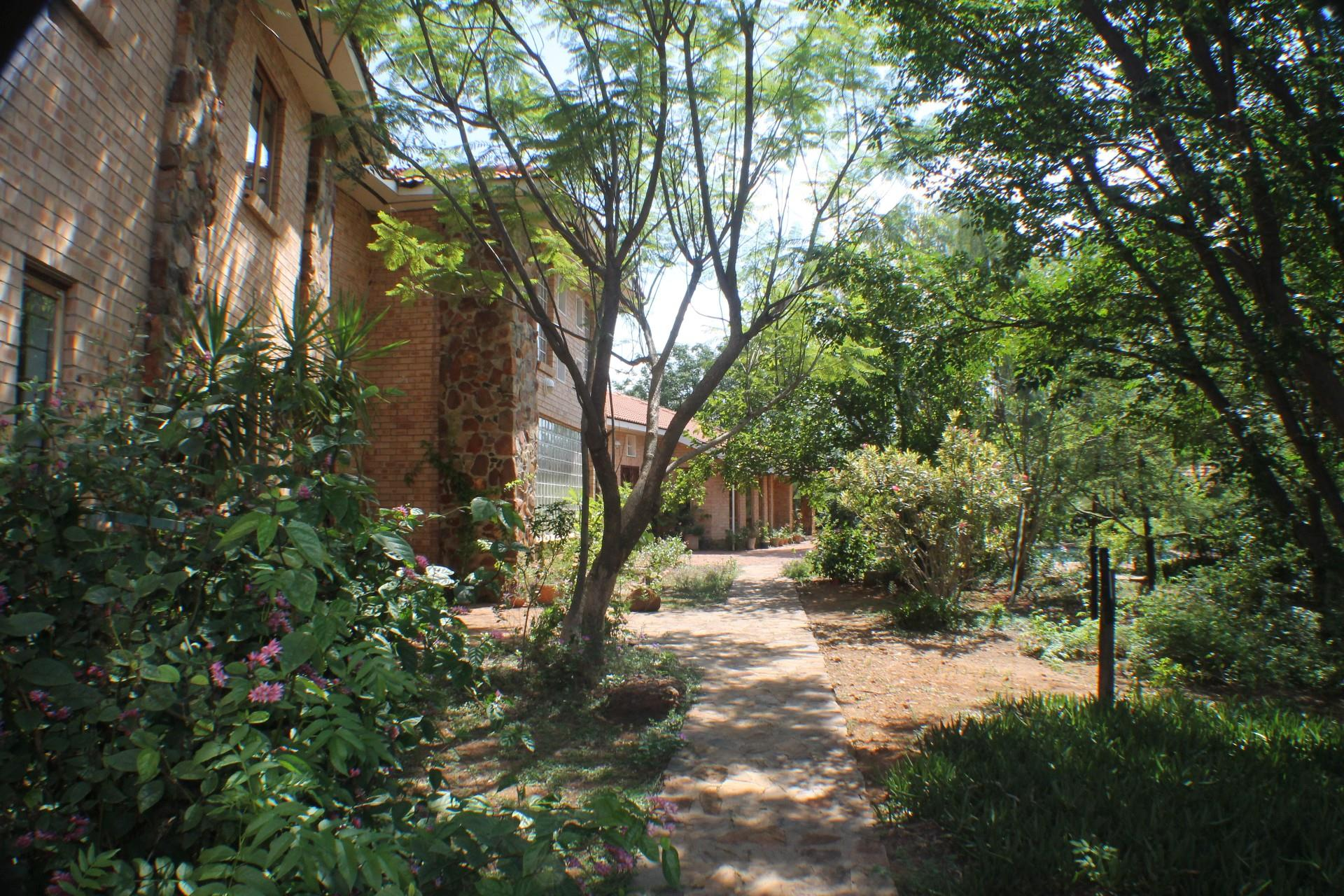 6 Bedroom House For Sale in Gaborone