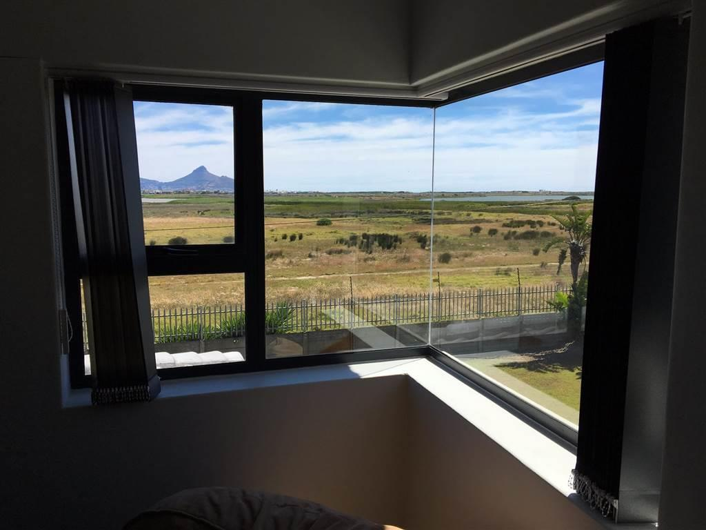 5 Bedroom House For Sale in Flamingo Vlei