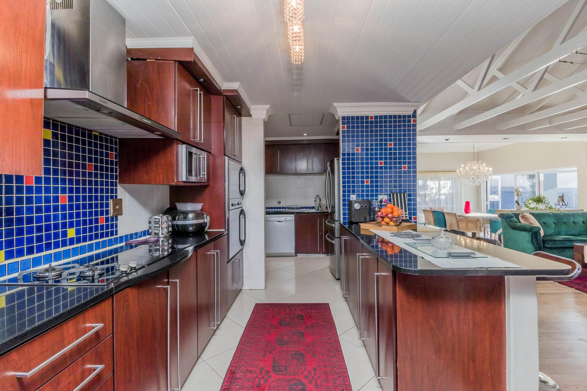 5 Bedroom House For Sale in West Beach