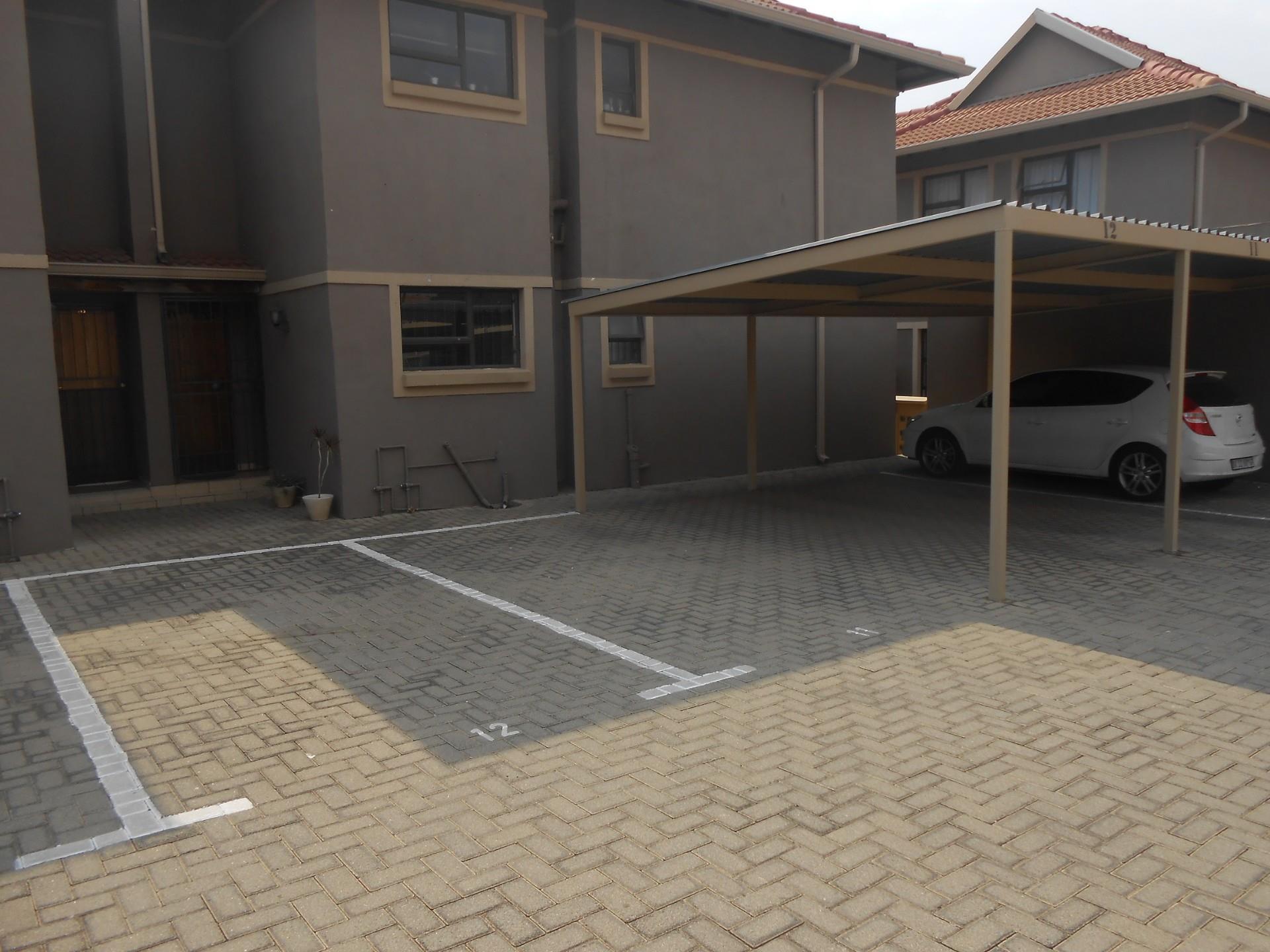 3 Bedroom Apartment / Flat To Rent in New Market
