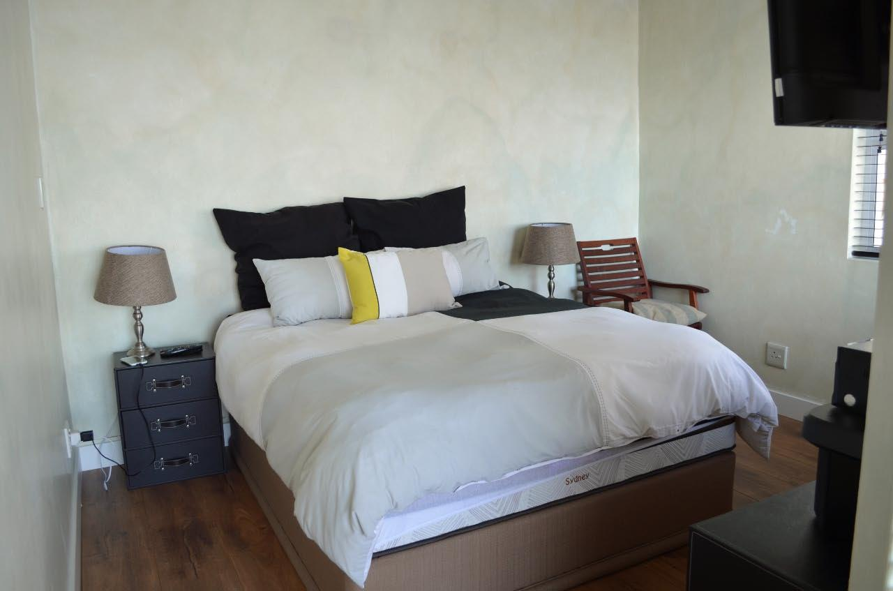 5 Bedroom House For Sale in Pumula
