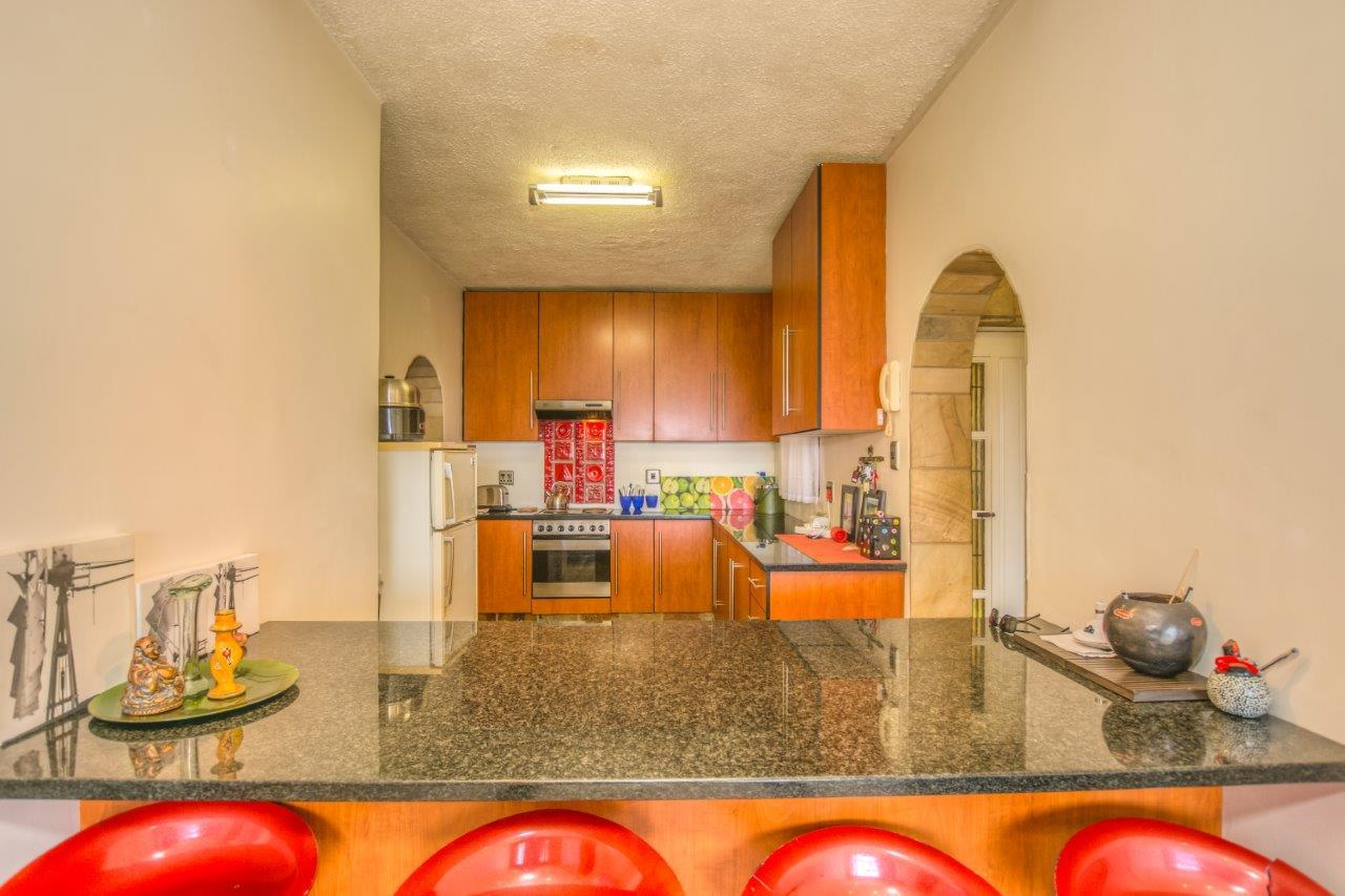 3 Bedroom Townhouse To Rent in South End