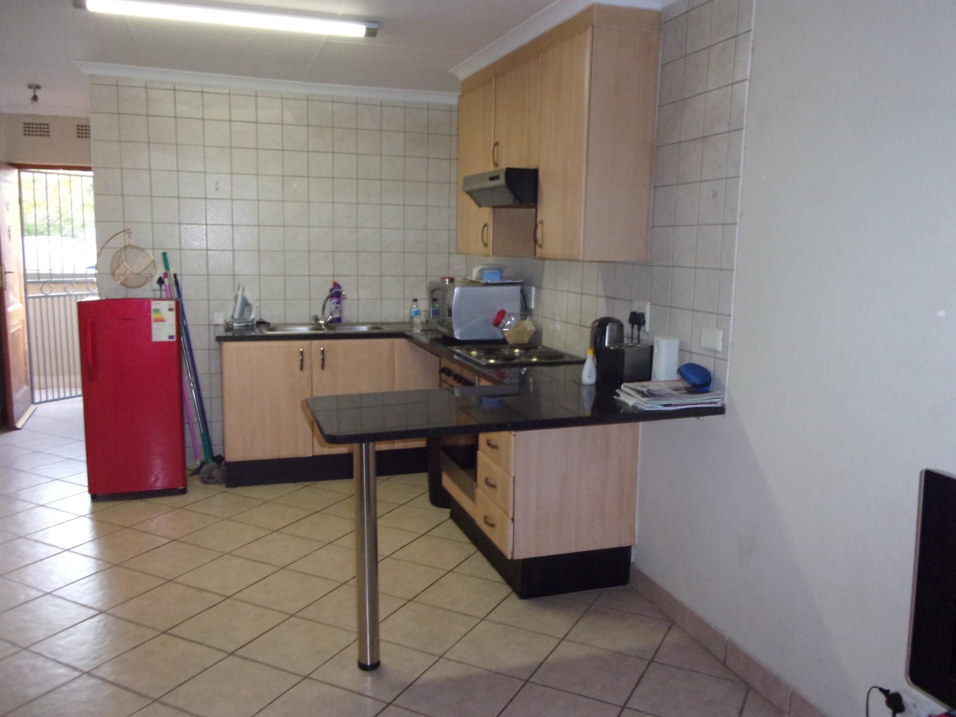 1 Bedroom Apartment / Flat For Sale in Leeuwenhof Estate