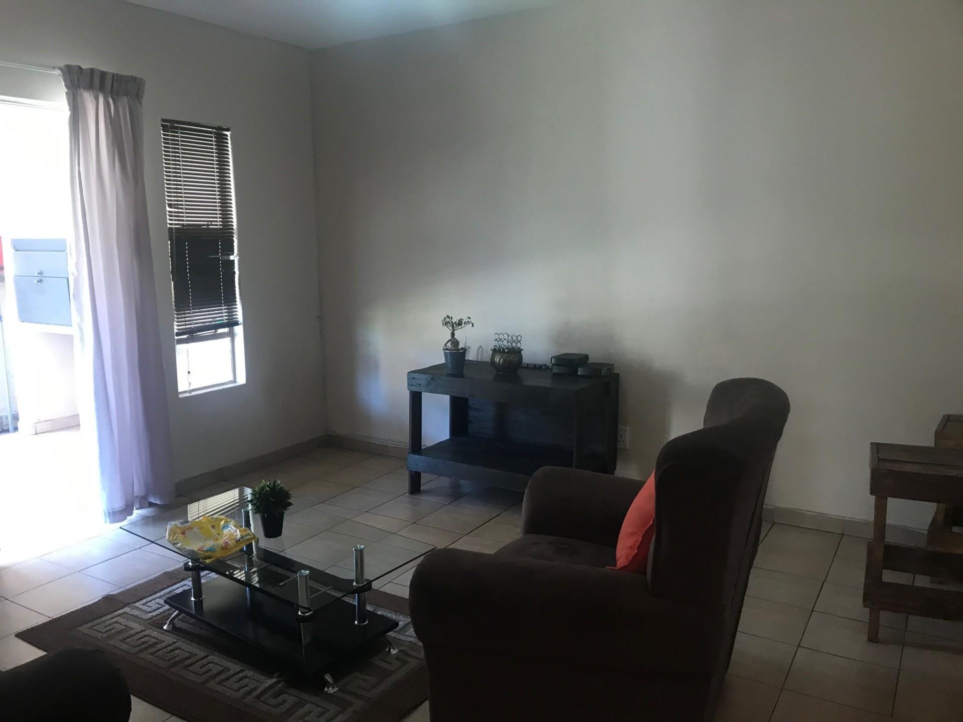 2 Bedroom Apartment / Flat To Rent in Model Park