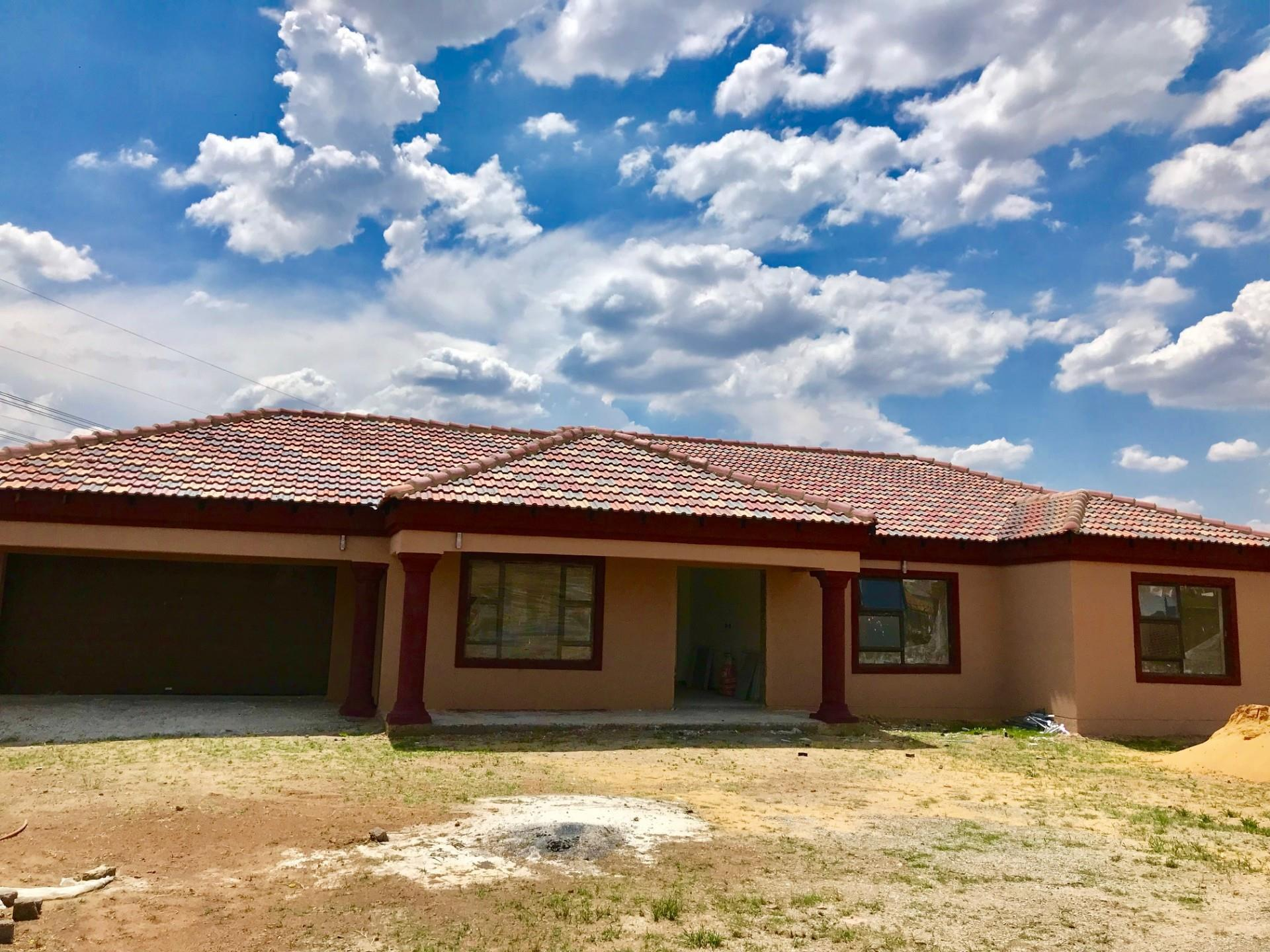 3 Bedroom House For Sale in Three Rivers East