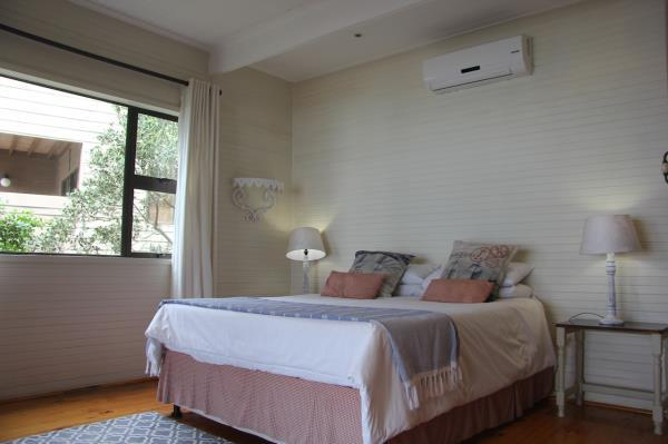 4 Bedroom Townhouse For Sale in Ponta Do Ouoro Central