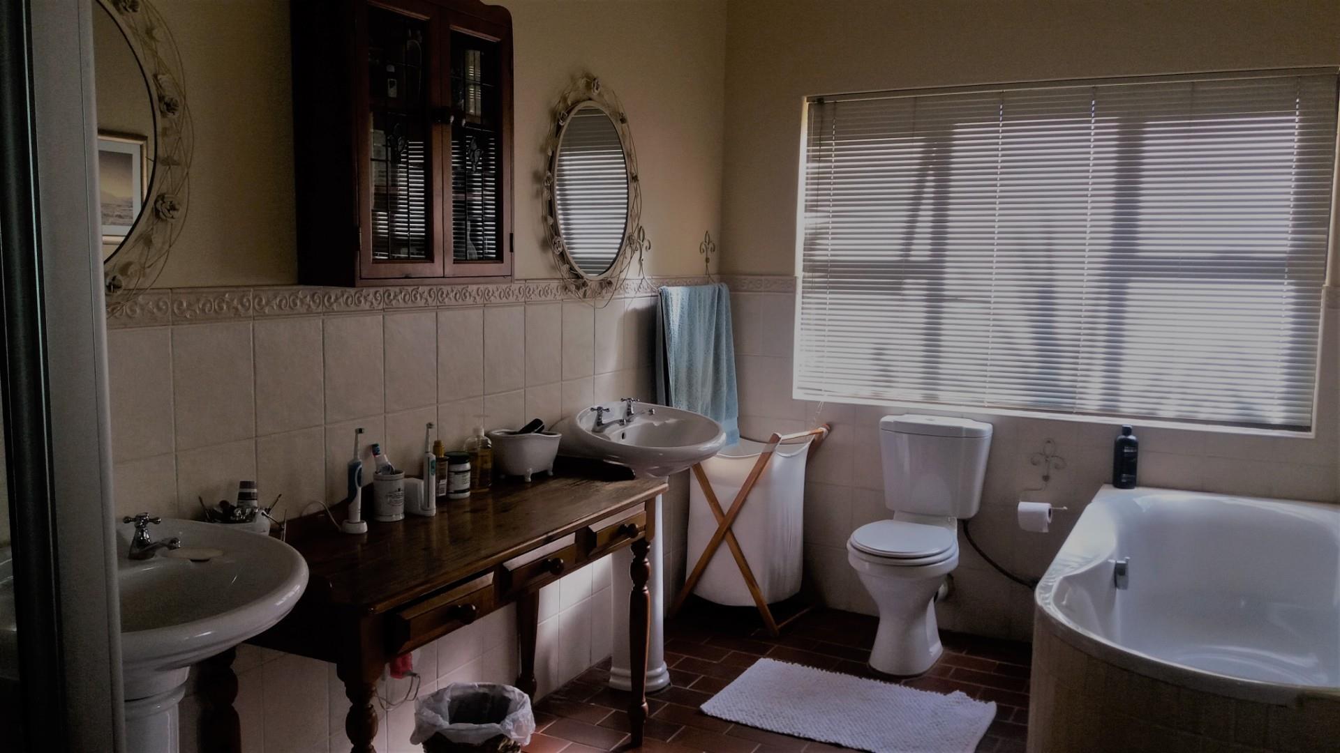 3 Bedroom House For Sale in Gochas