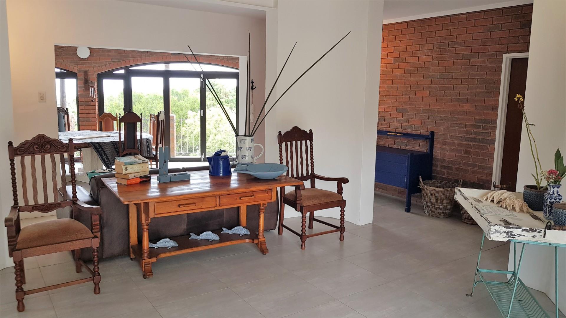 5 Bedroom House For Sale in Kenton On Sea