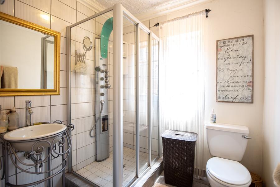 4 Bedroom Townhouse For Sale in Faerie Glen