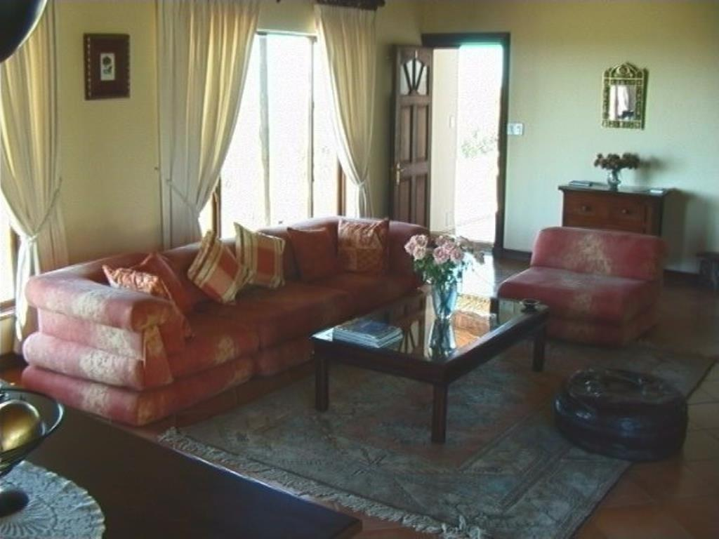 6 Bedroom House For Sale in Caledon