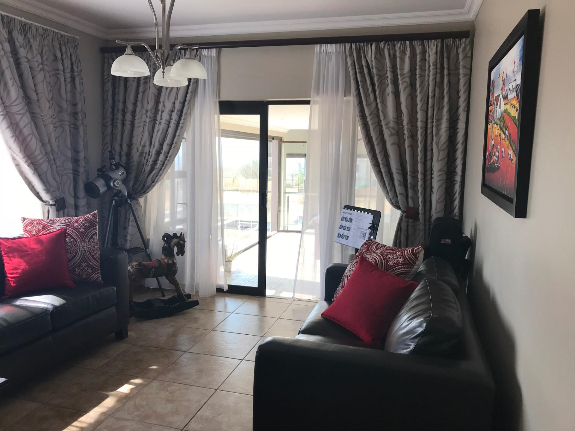 4 Bedroom House For Sale in Verresig Country Estate