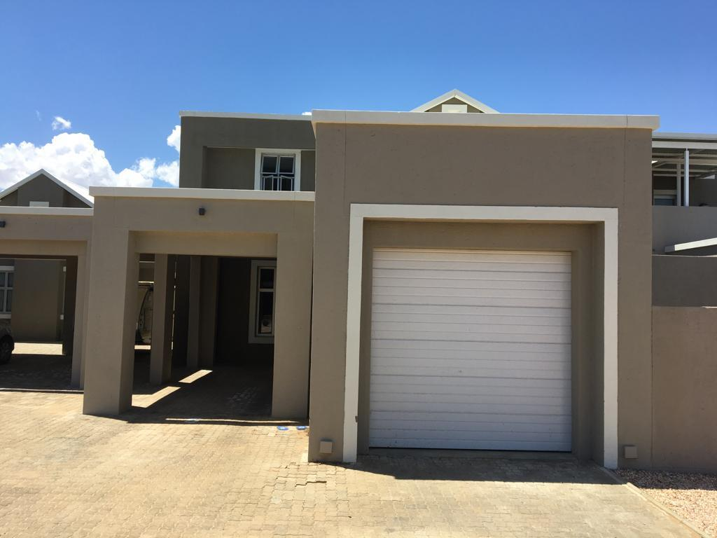 2 Bedroom House For Sale in Omeya Golf Estate