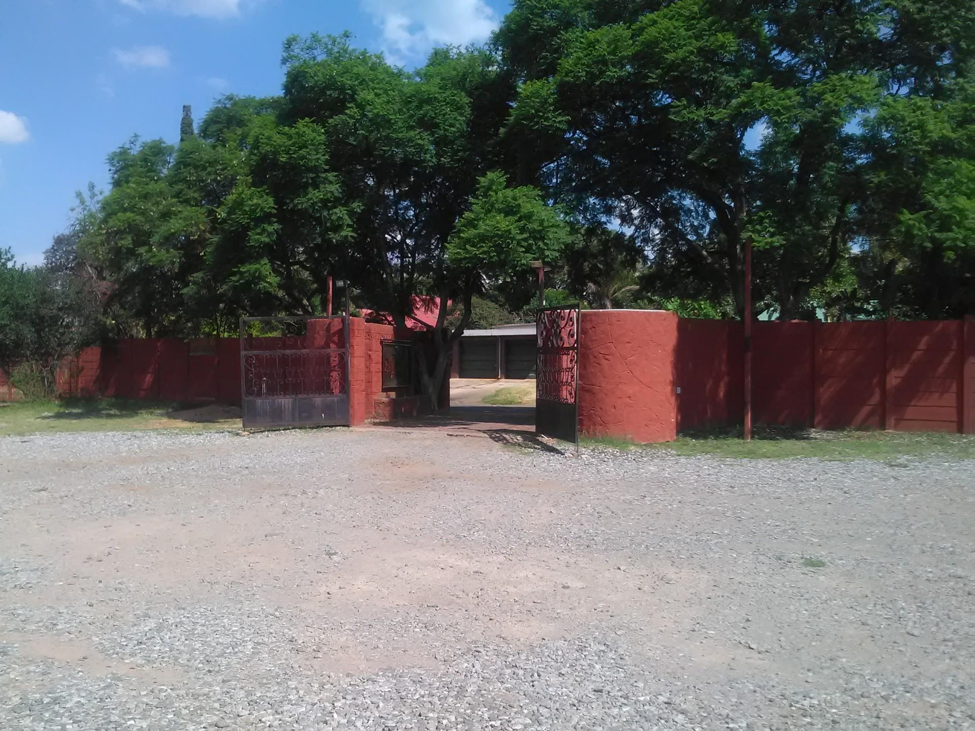 Commercial Property in Capital Park For Sale