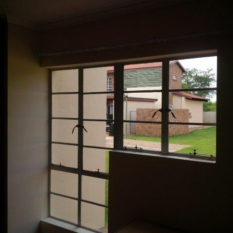3 Bedroom Apartment / Flat To Rent in Onverwacht