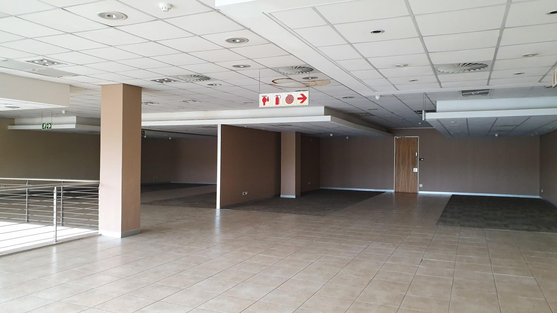 Commercial Property in Riverside Park To Rent