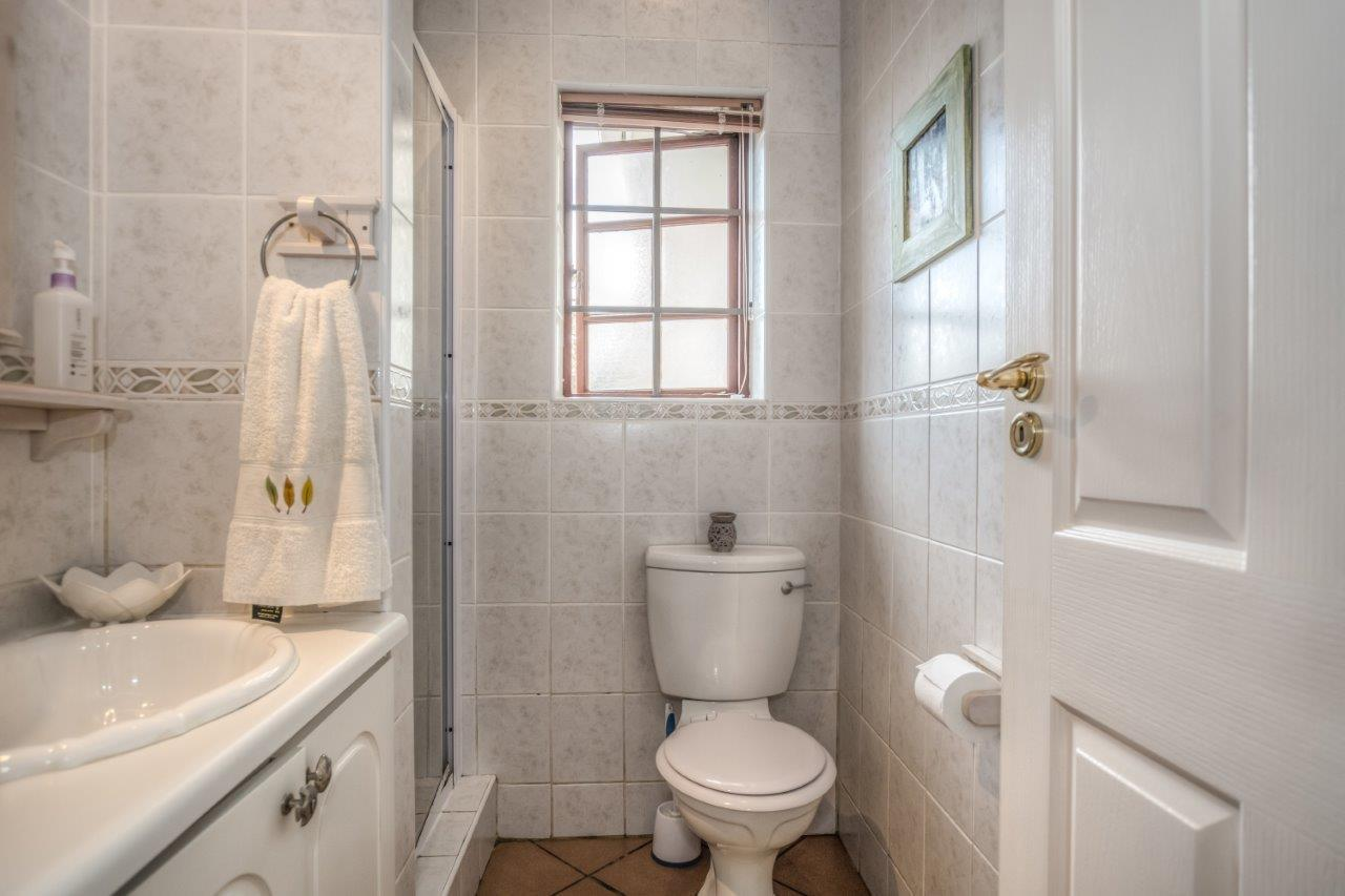 5 Bedroom House For Sale in Chelsea