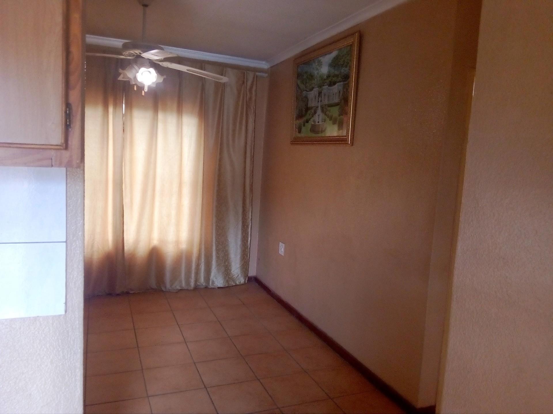 2 Bedroom House For Sale in Waterval AH