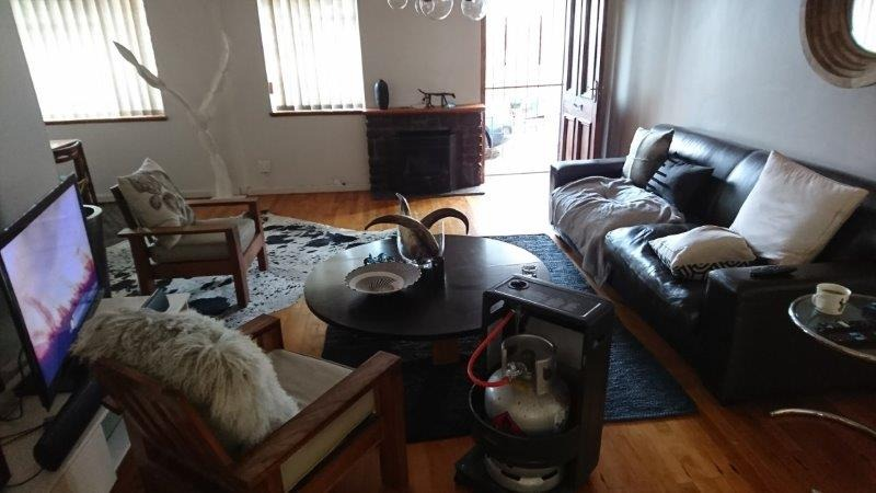 2 Bedroom House To Rent in Knysna Central