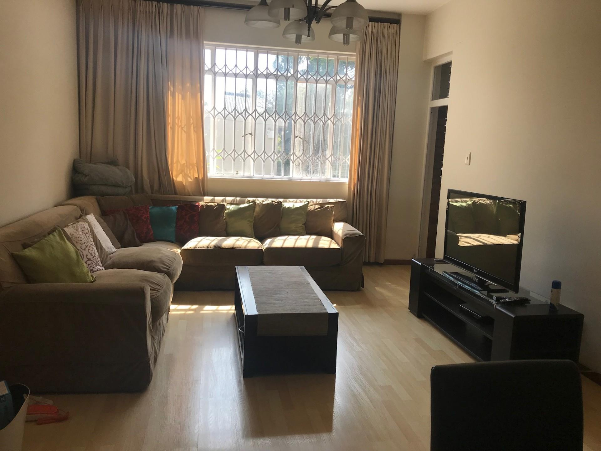 2 Bedroom Apartment / Flat To Rent in Rosebank