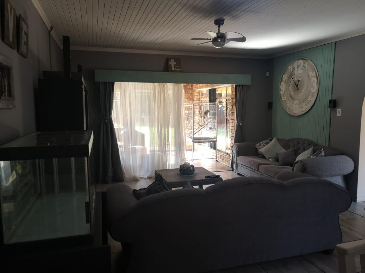 3 Bedroom House For Sale in Dennesig