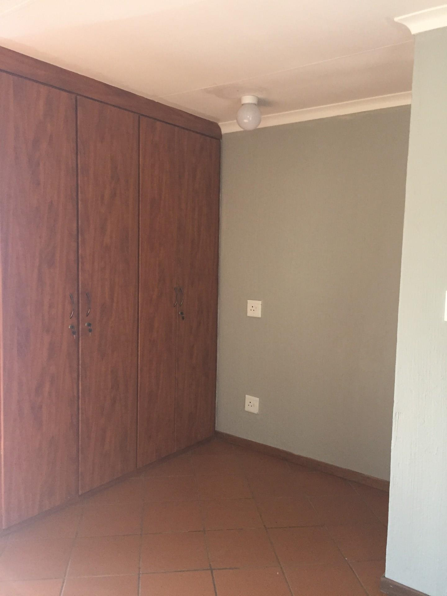 1 Bedroom Apartment / Flat To Rent in Rietvalleirand