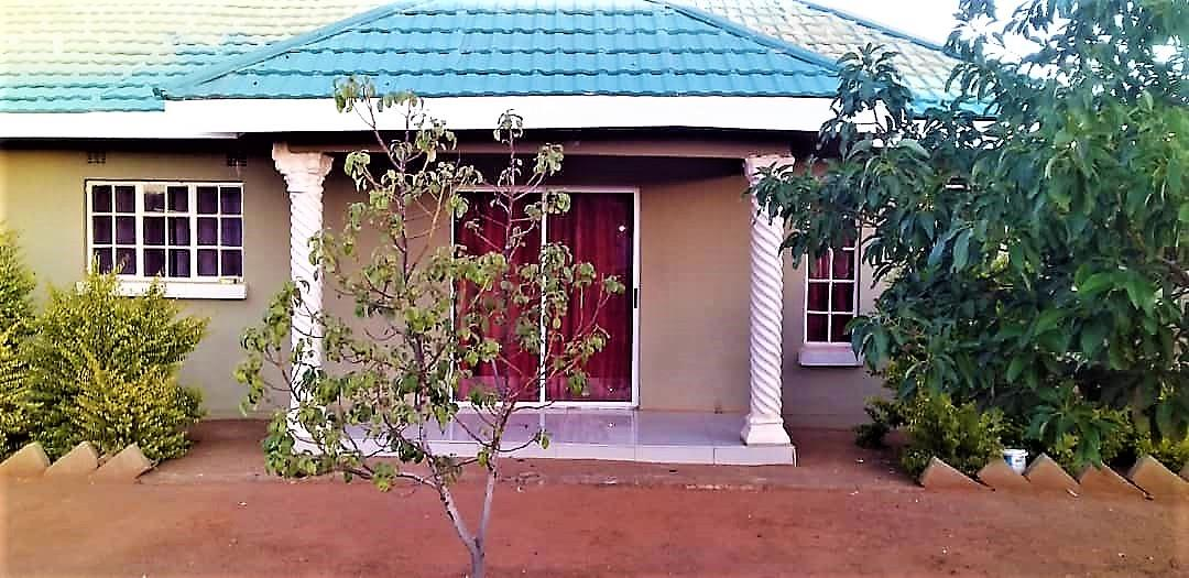 4 Bedroom House For Sale in Kopong Central