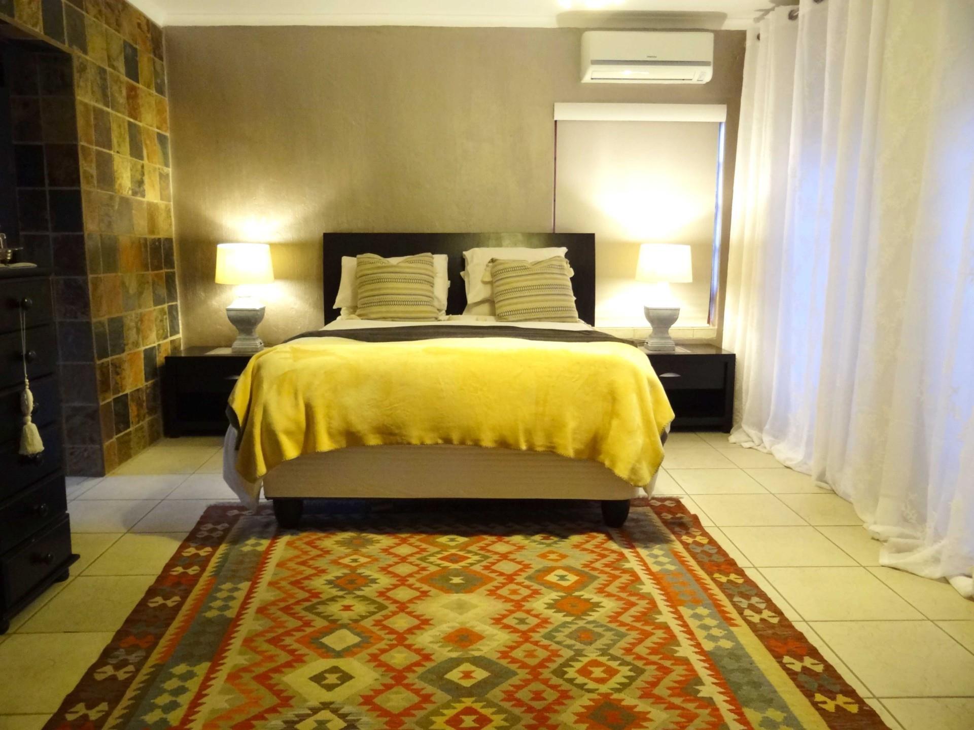 4 Bedroom House For Sale in Faerie Glen