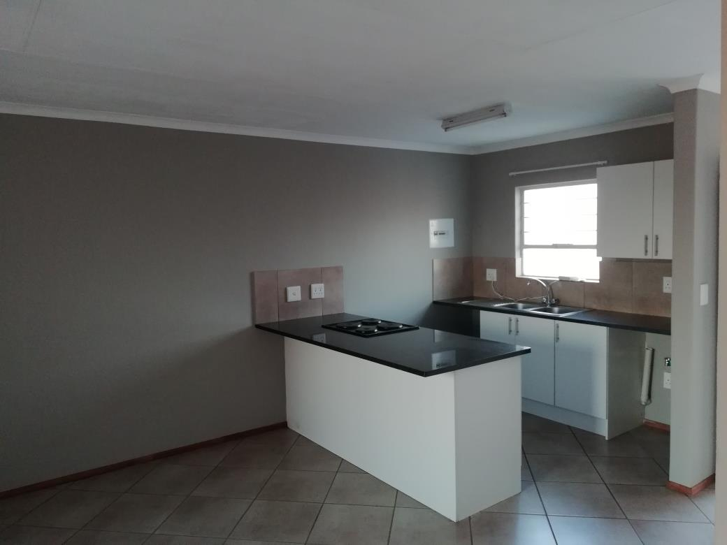 2 Bedroom Apartment / Flat For Sale in Albertsdal