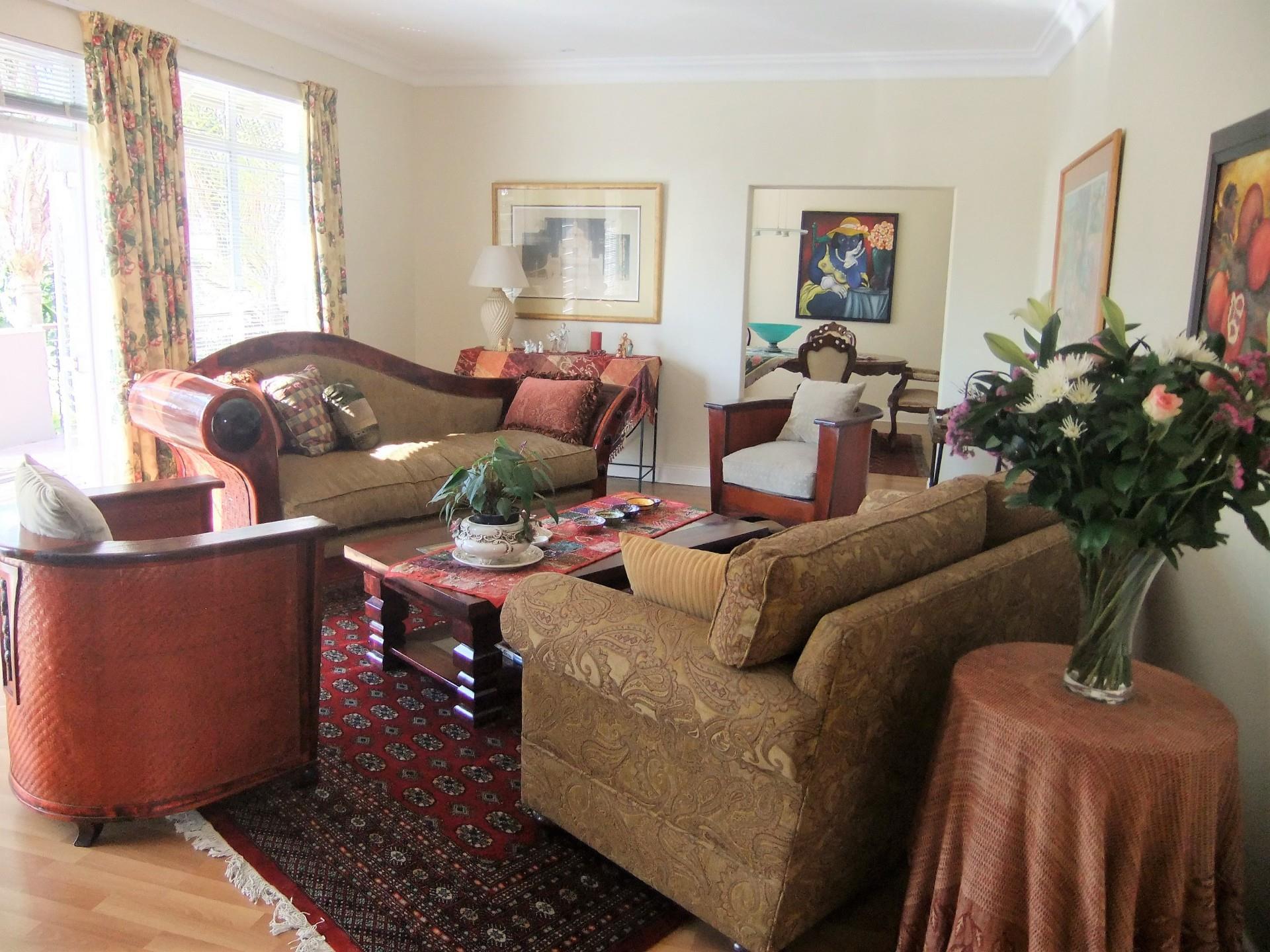4 Bedroom House To Rent in Waterkloof Ridge