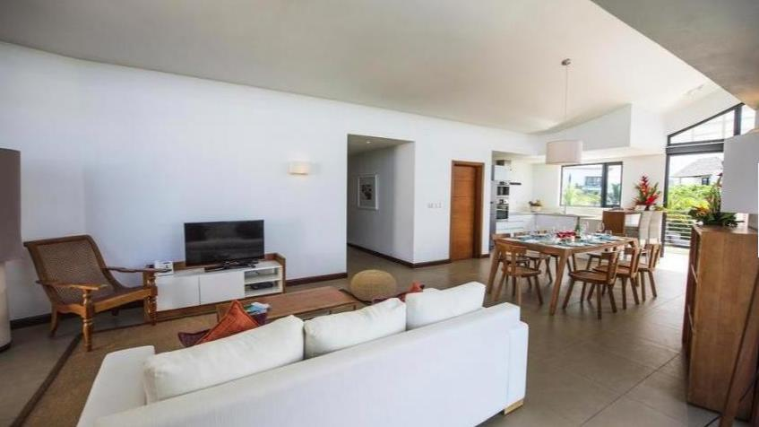 4 Bedroom Apartment / Flat For Sale in Roches Noires