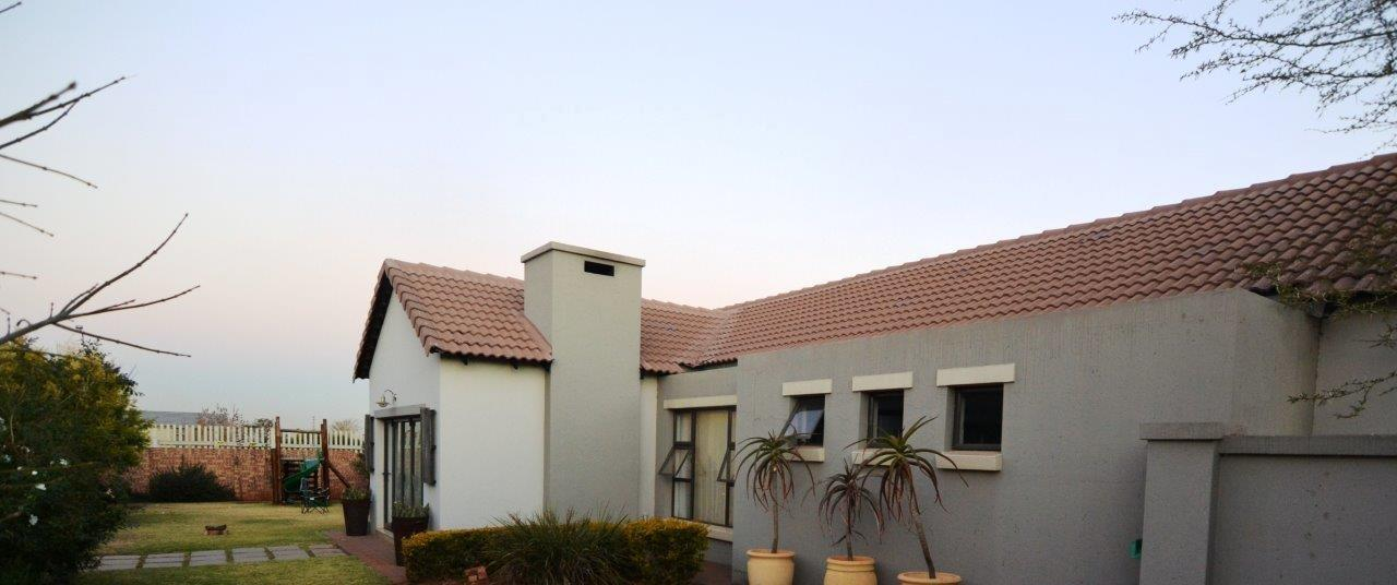 3 Bedroom House To Rent in Midstream Hill Estate