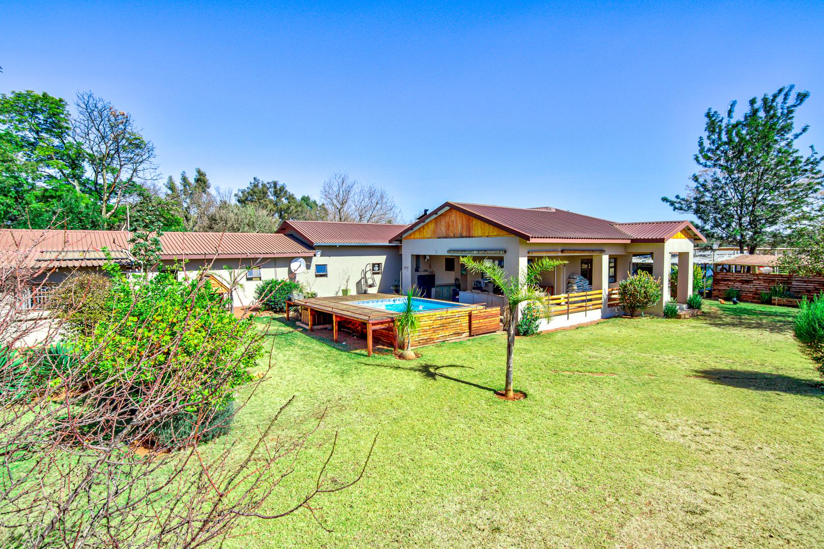 5 Bedroom House For Sale in Bredell