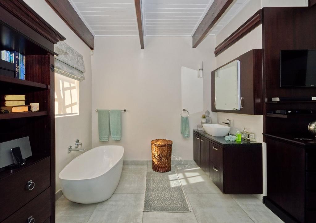 7 Bedroom House To Rent in Wellington Rural