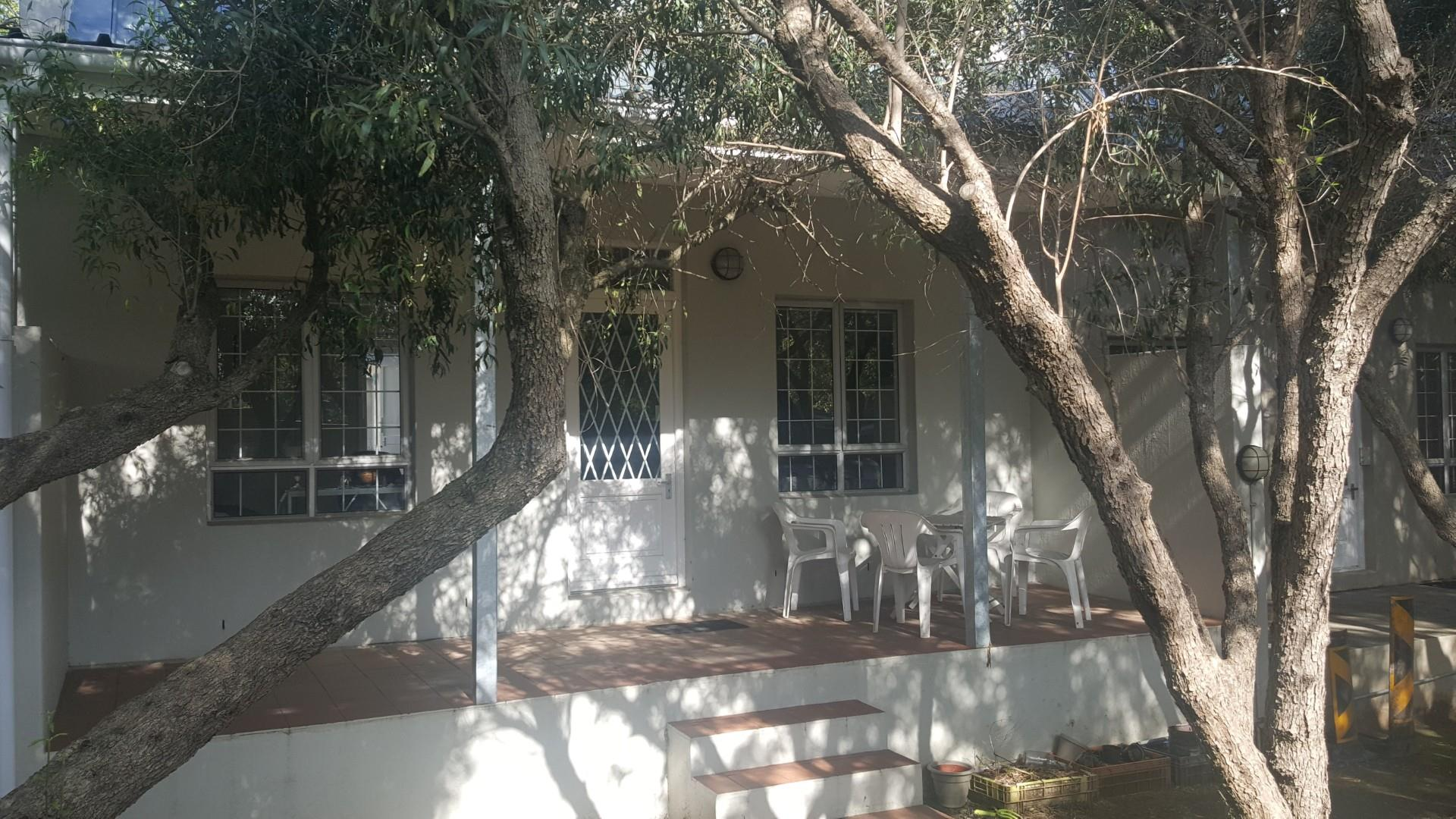 2 Bedroom Townhouse For Sale in Stellenbosch Central