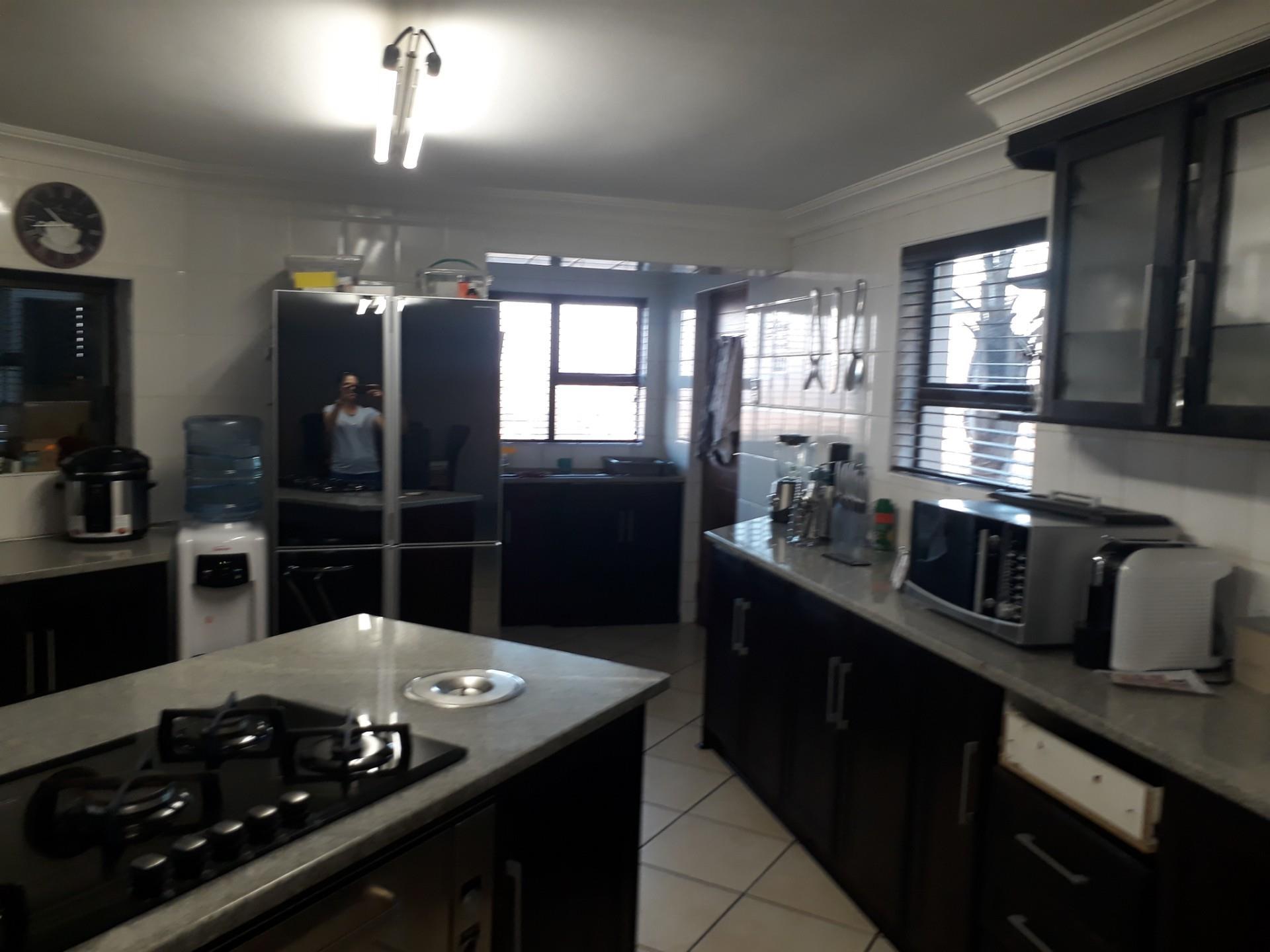 5 Bedroom House For Sale in Hoeveld Park