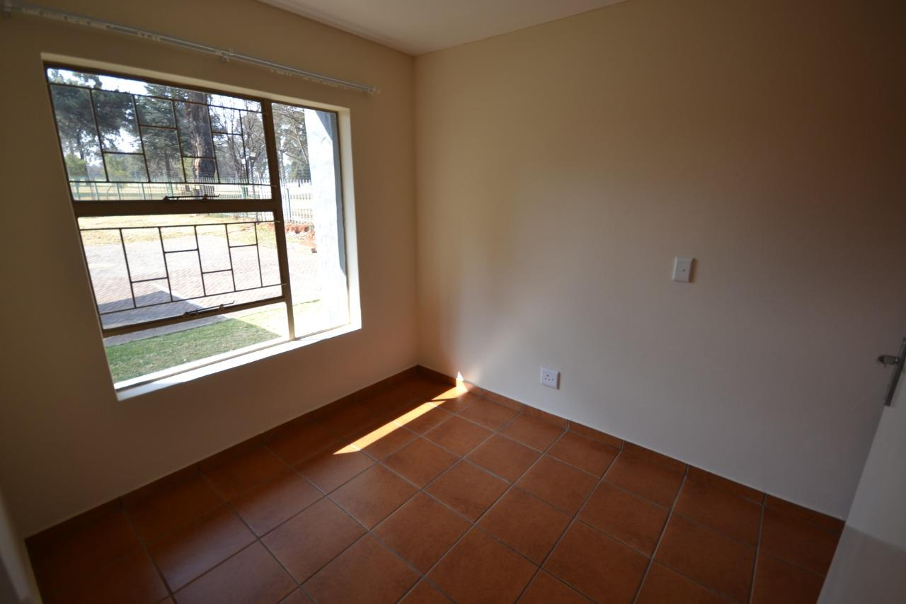 1 Bedroom Apartment / Flat To Rent in Pollak Park