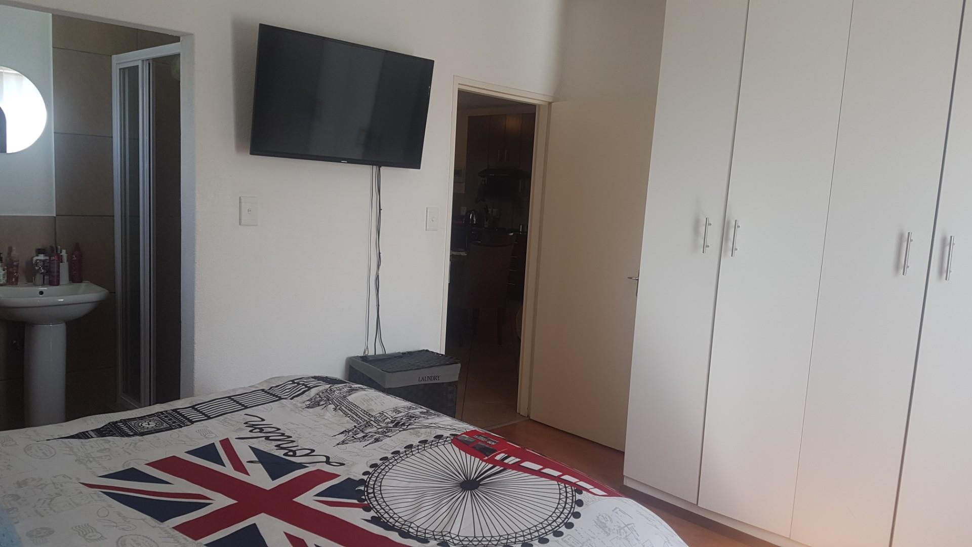 3 Bedroom Apartment / Flat For Sale in Albertsdal
