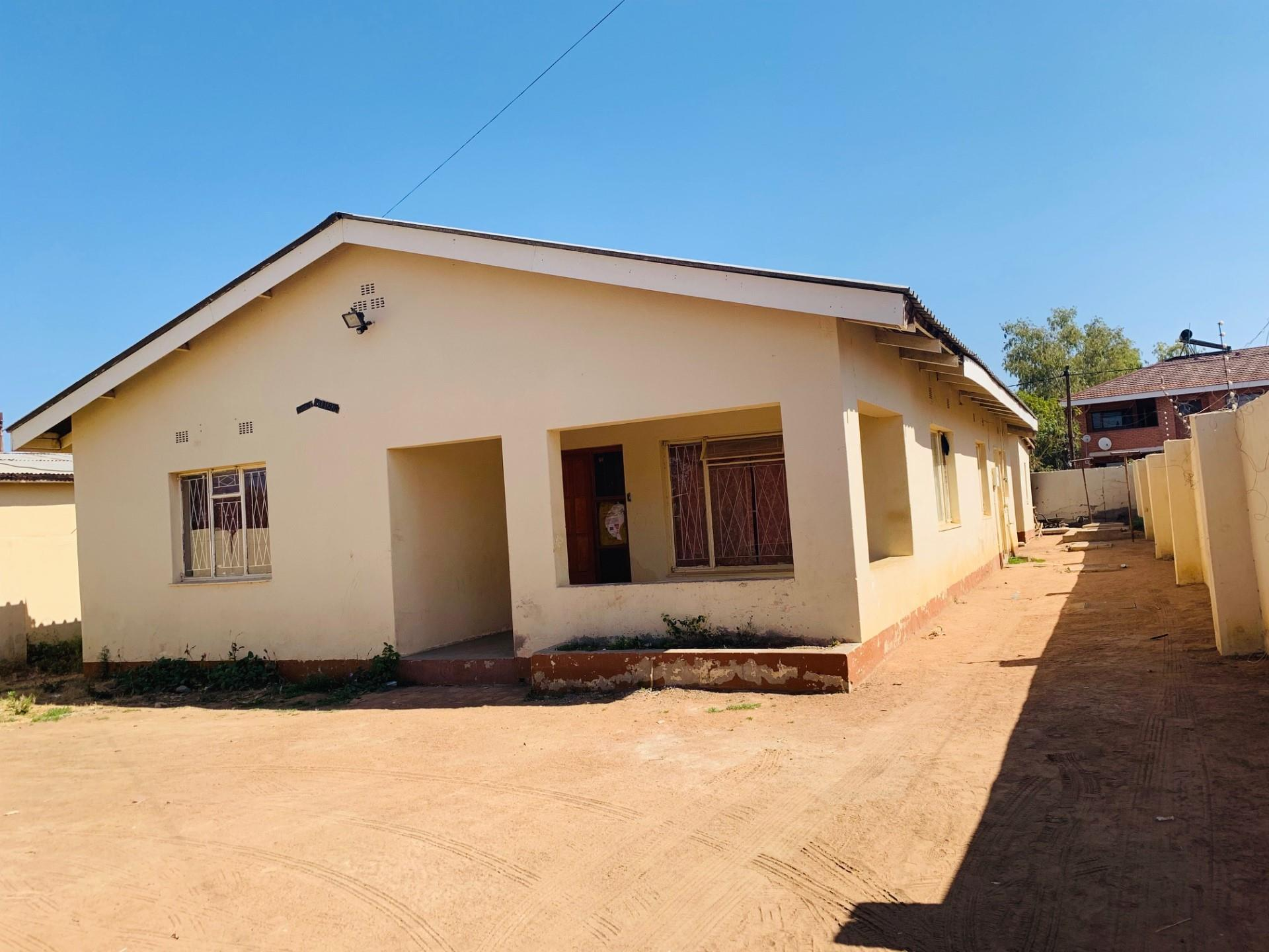 3 Bedroom House For Sale in Extension 14