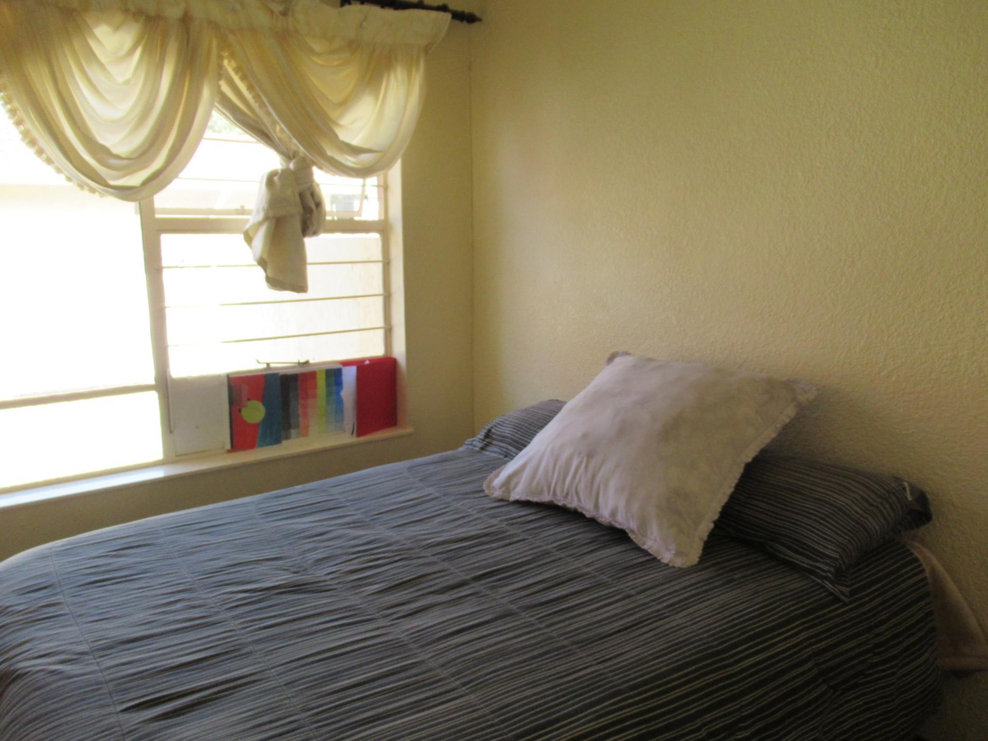 5 Bedroom House For Sale in Ridgeway