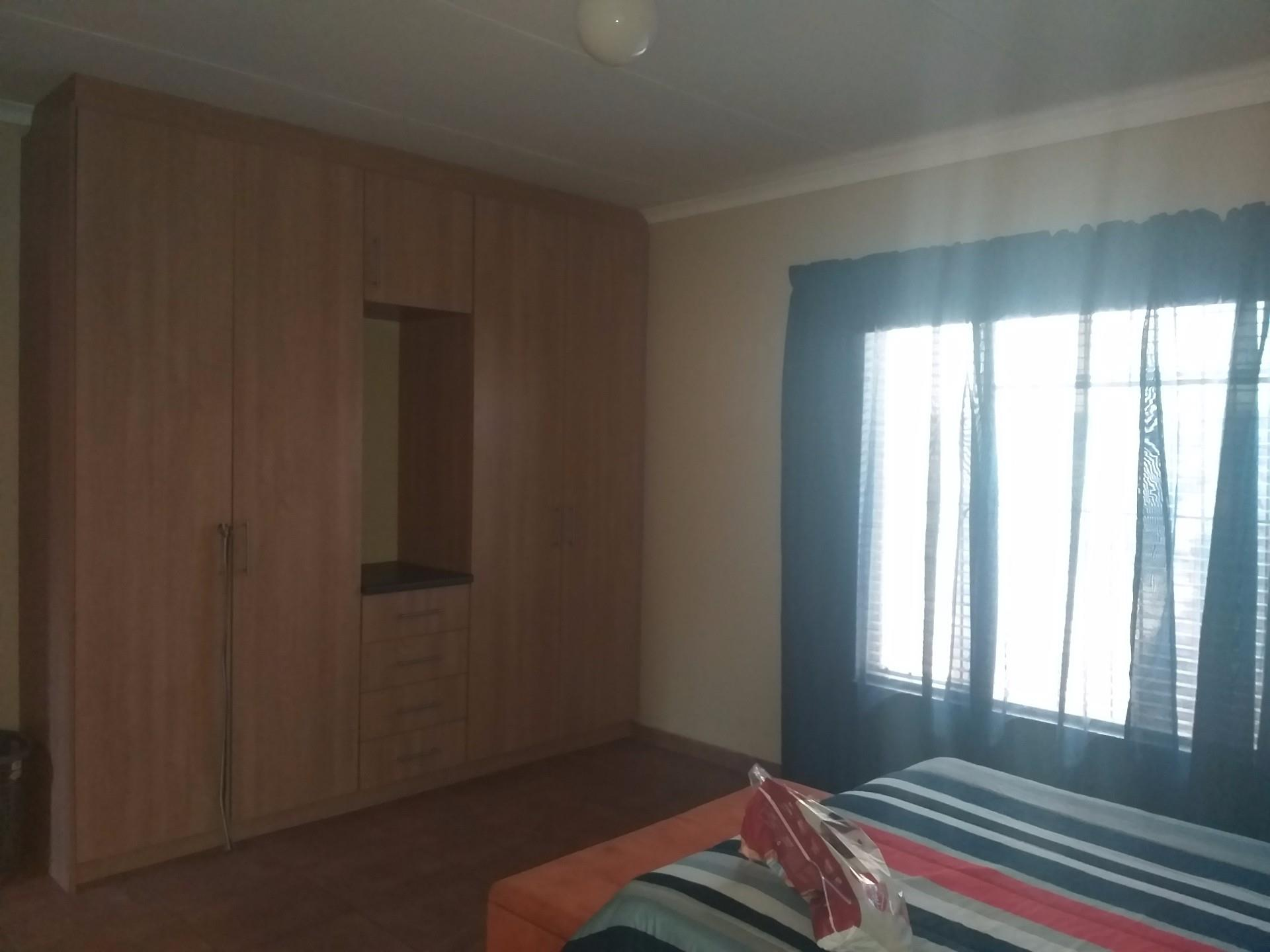6 Bedroom House For Sale in Kathu