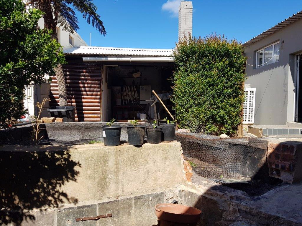 Commercial Property in Jeffreys Bay Central For Sale