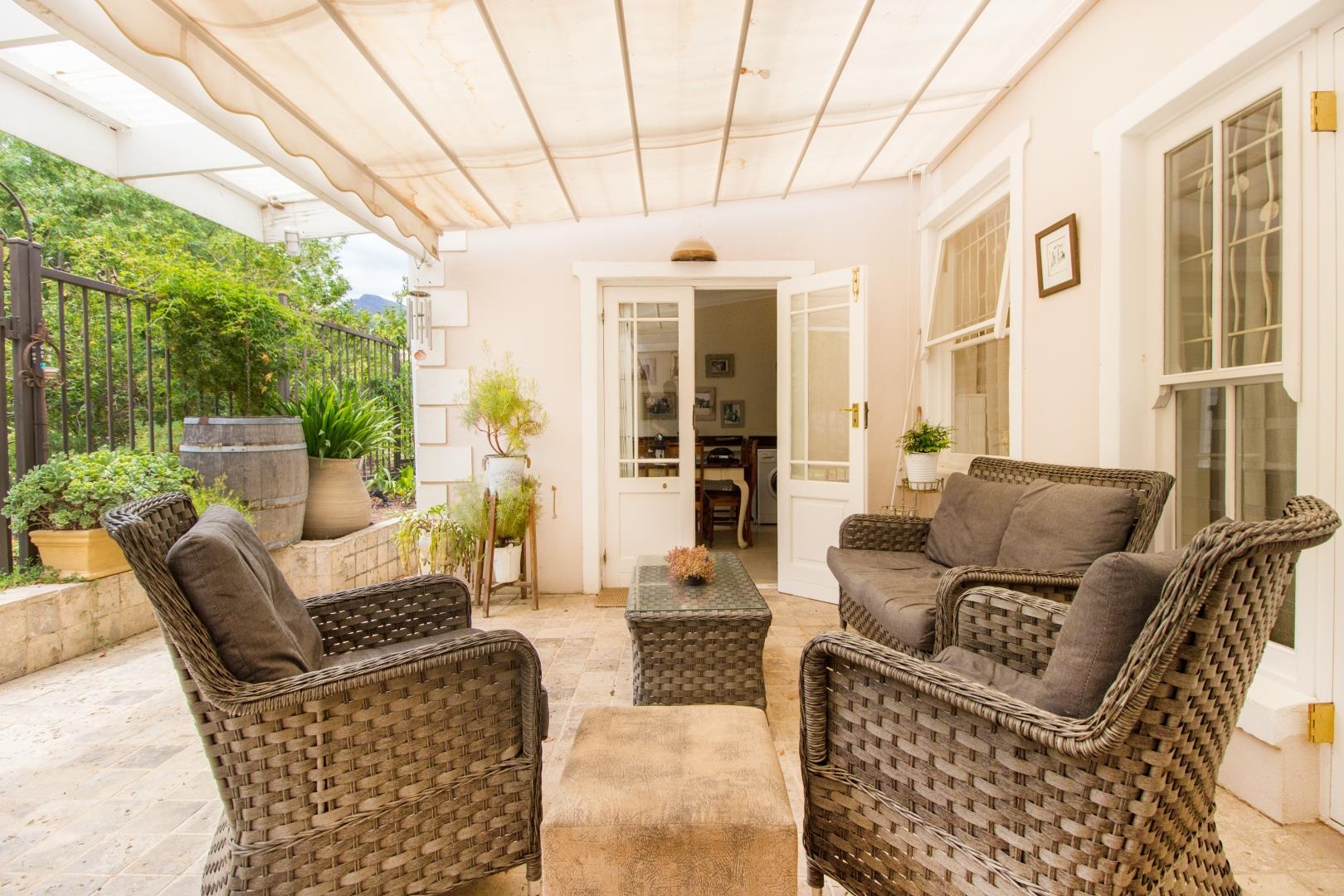 2 Bedroom House For Sale in Franschhoek