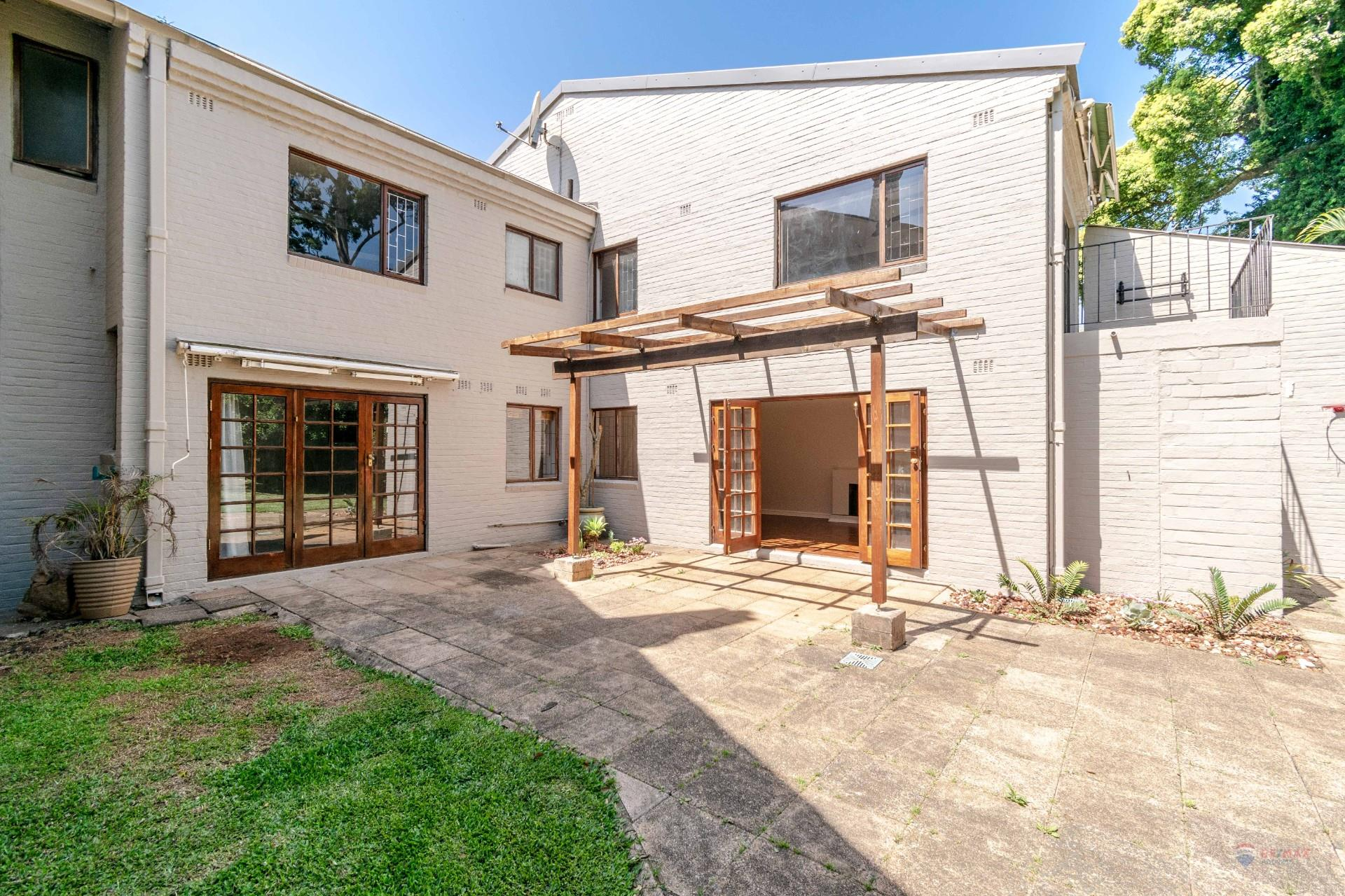 3 Bedroom Townhouse For Sale In Kloof Re Max Of Southern Africa